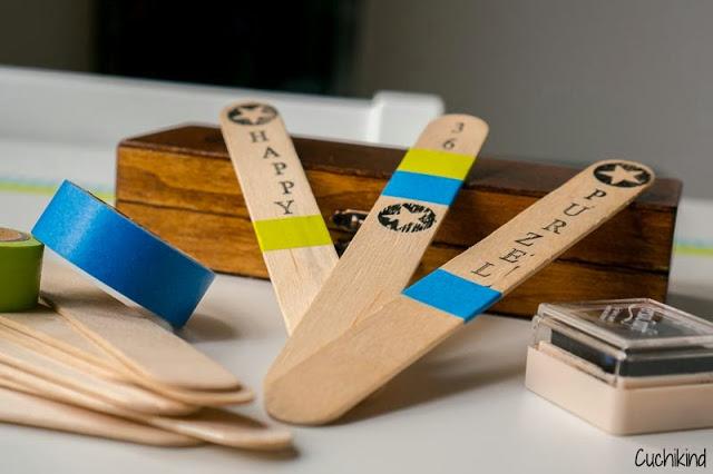 Holzstäbchen bestempeln