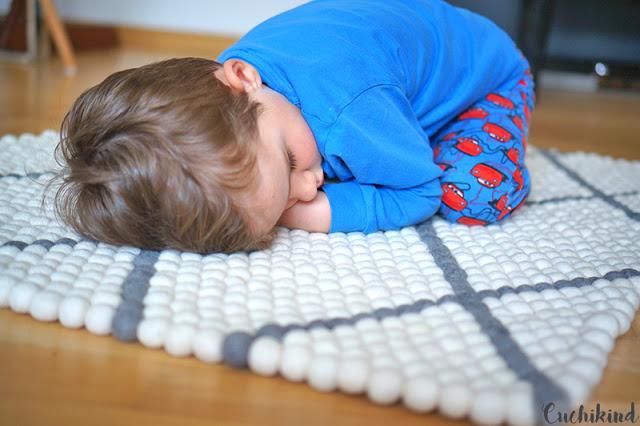 Teppich aus Filzkugeln