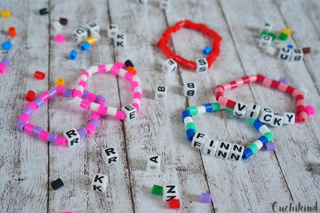 Armbänder mit Namen