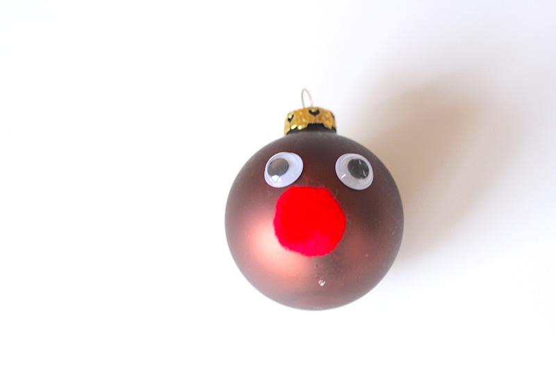 rentier weihnachtskugel